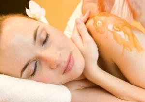 honey massage Масаж с пчелен мед на гръб